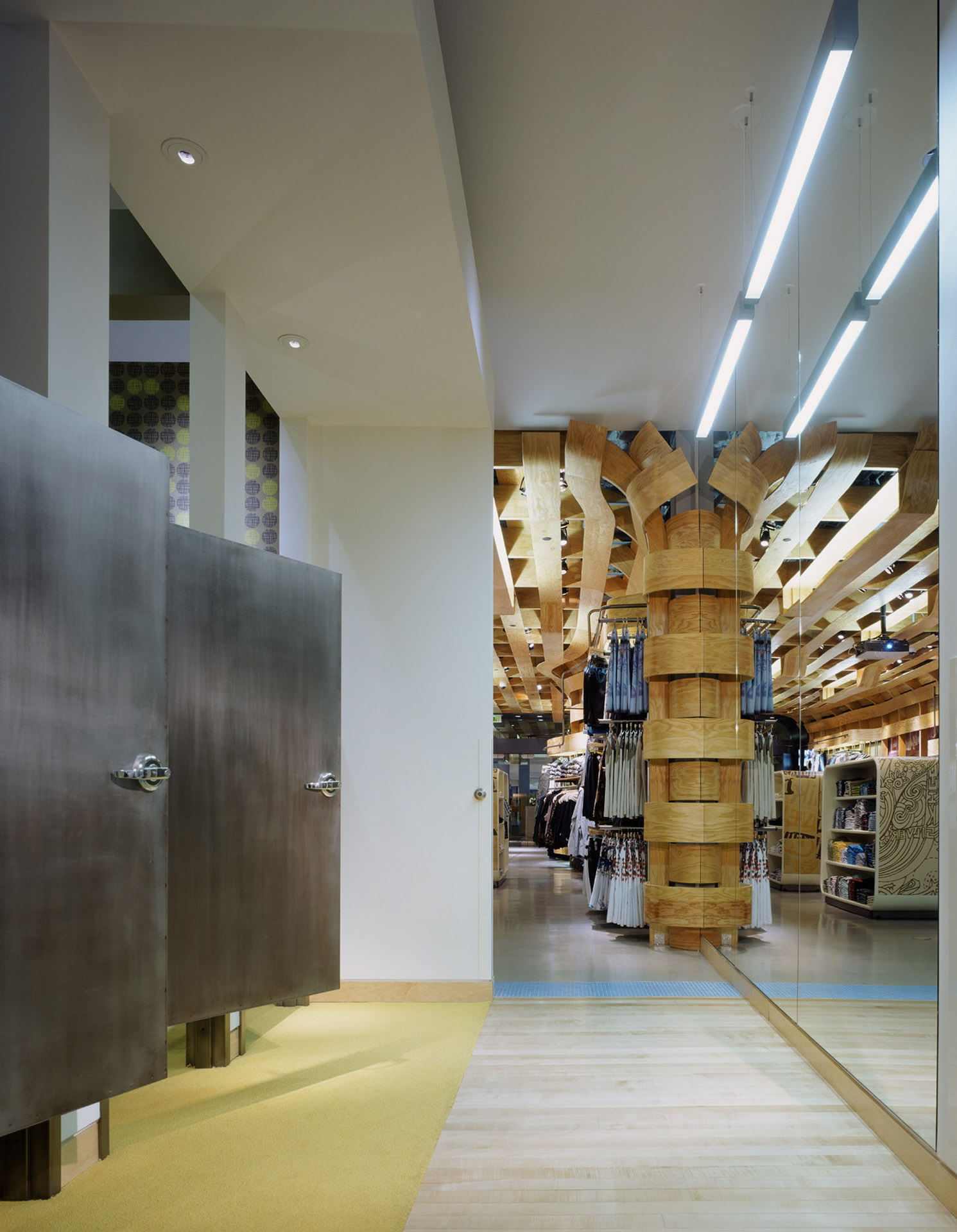 Clive Wilkinson Architects | Quiksilver Store